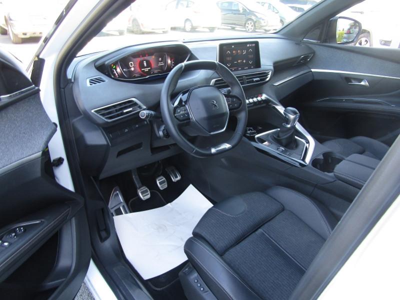 Photo 3 de l'offre de PEUGEOT 5008 1.5 BLUEHDI 130CH E6.C GT LINE  S&S 6CV à 33690€ chez Carre automobiles