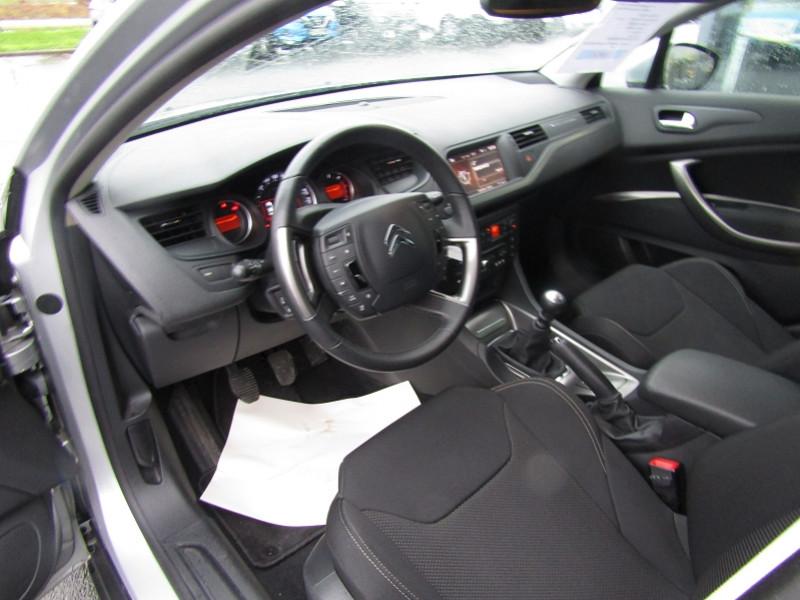 Photo 3 de l'offre de CITROEN C5 2.0 HDI140 FAP  BUSINESS à 9490€ chez Carre automobiles