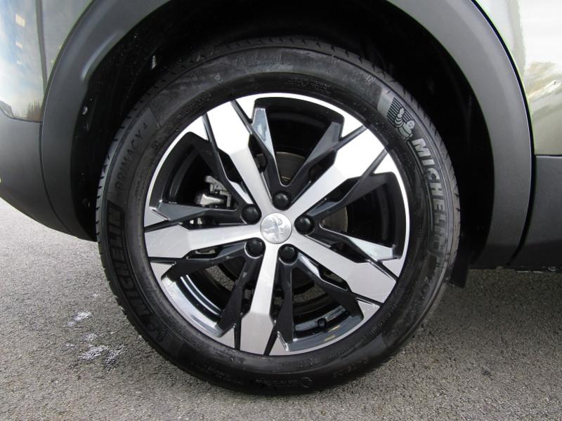 Photo 3 de l'offre de PEUGEOT 3008 1.5 BLUEHDI 130CH E6.C GT LINE S&S à 32900€ chez Carre automobiles