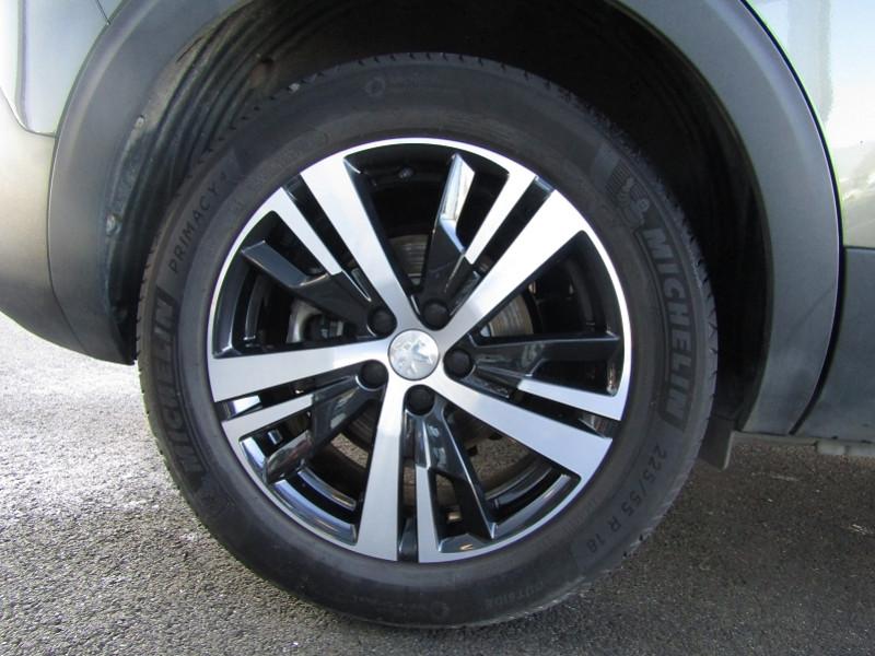 Photo 3 de l'offre de PEUGEOT 5008 1.5 BLUEHDI 130CH E6.C ALLURE S&S EAT8 à 31490€ chez Carre automobiles