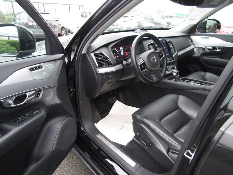 Photo 4 de l'offre de VOLVO XC90 D5 AWD 235CH MOMENTUM GEARTRONIC 7 PLACES à 35990€ chez Carre automobiles