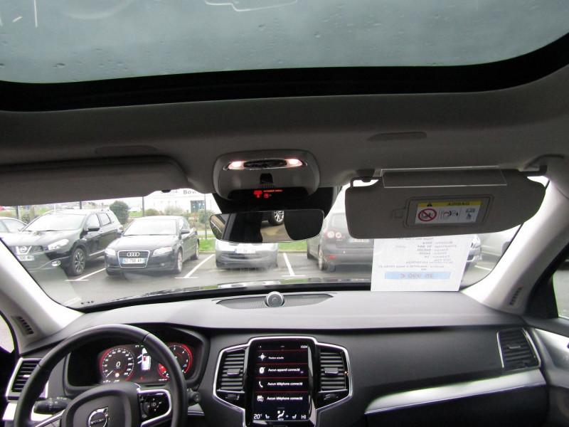 Photo 5 de l'offre de VOLVO XC90 D5 AWD 235CH MOMENTUM GEARTRONIC 7 PLACES à 35990€ chez Carre automobiles