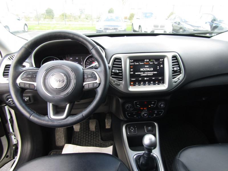 Photo 4 de l'offre de JEEP COMPASS 1.6 MULTIJET II 120CH LONGITUDE BUSINESS 4X2 117G à 17990€ chez Carre automobiles