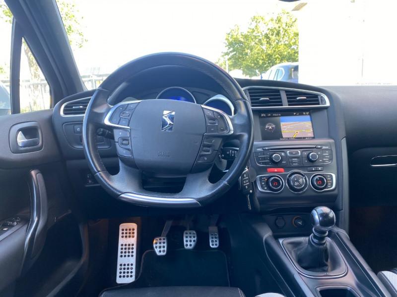 Photo 3 de l'offre de CITROEN DS4 1.6 E-HDI115 AIRDREAM CHIC à 9990€ chez Le Fourchêne Automobiles