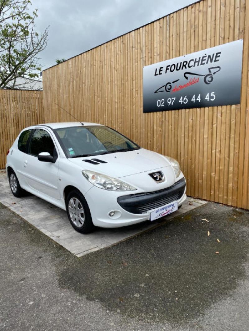 Photo 1 de l'offre de PEUGEOT 206 + 1.4 HDI FAP ACTIVE 3P à 6400€ chez Le Fourchêne Automobiles