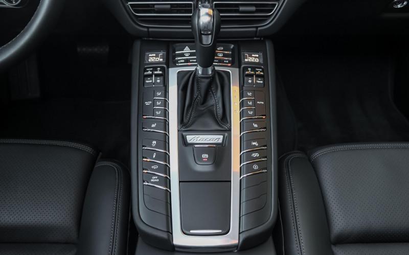 Photo 13 de l'offre de PORSCHE MACAN 2.9 V6 440CH TURBO PDK EURO6D-T EVAP ISC à 108000€ chez Stars Monte Carlo