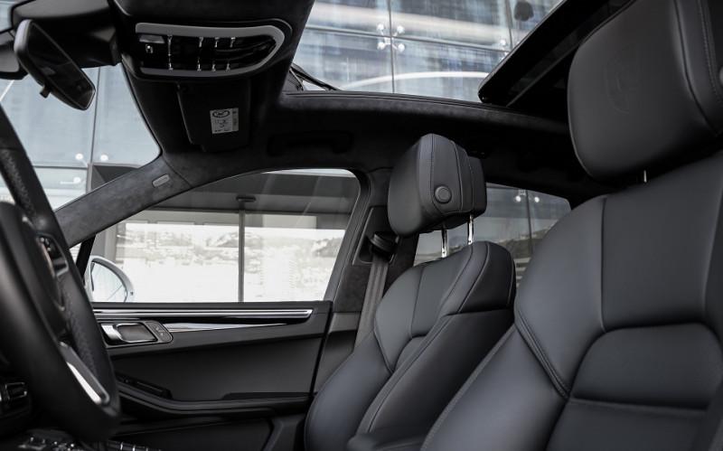 Photo 10 de l'offre de PORSCHE MACAN 2.9 V6 440CH TURBO PDK EURO6D-T EVAP ISC à 108000€ chez Stars Monte Carlo