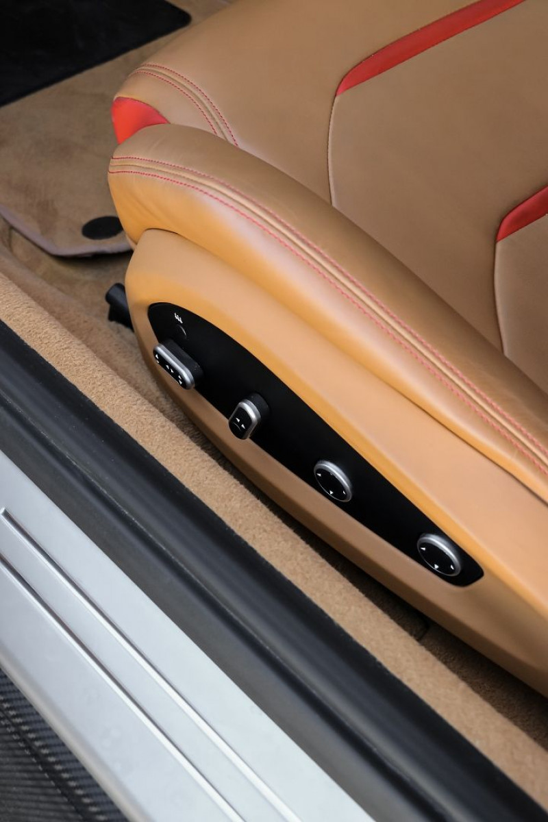 Photo 23 de l'offre de FERRARI GTC4LUSSO V12 6.3 690CH à 199590€ chez Stars Monte Carlo