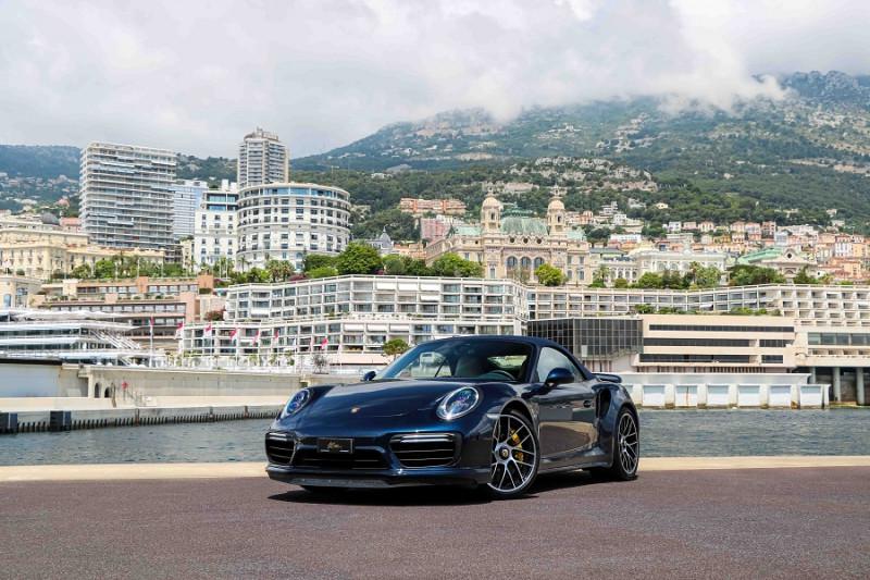 Photo 2 de l'offre de PORSCHE 911 CABRIOLET (991) 3.8 580CH TURBO S PDK à 174991€ chez Stars Monte Carlo