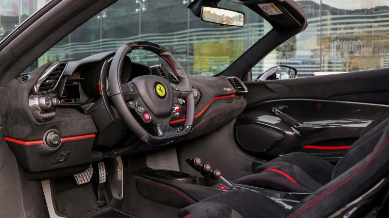 Photo 13 de l'offre de FERRARI 488 SPIDER V8 3.9 T 720  PISTA à 570000€ chez Stars Monte Carlo