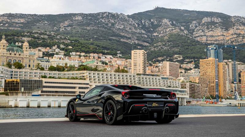 Photo 10 de l'offre de FERRARI 488 SPIDER V8 3.9 T 720  PISTA à 570000€ chez Stars Monte Carlo
