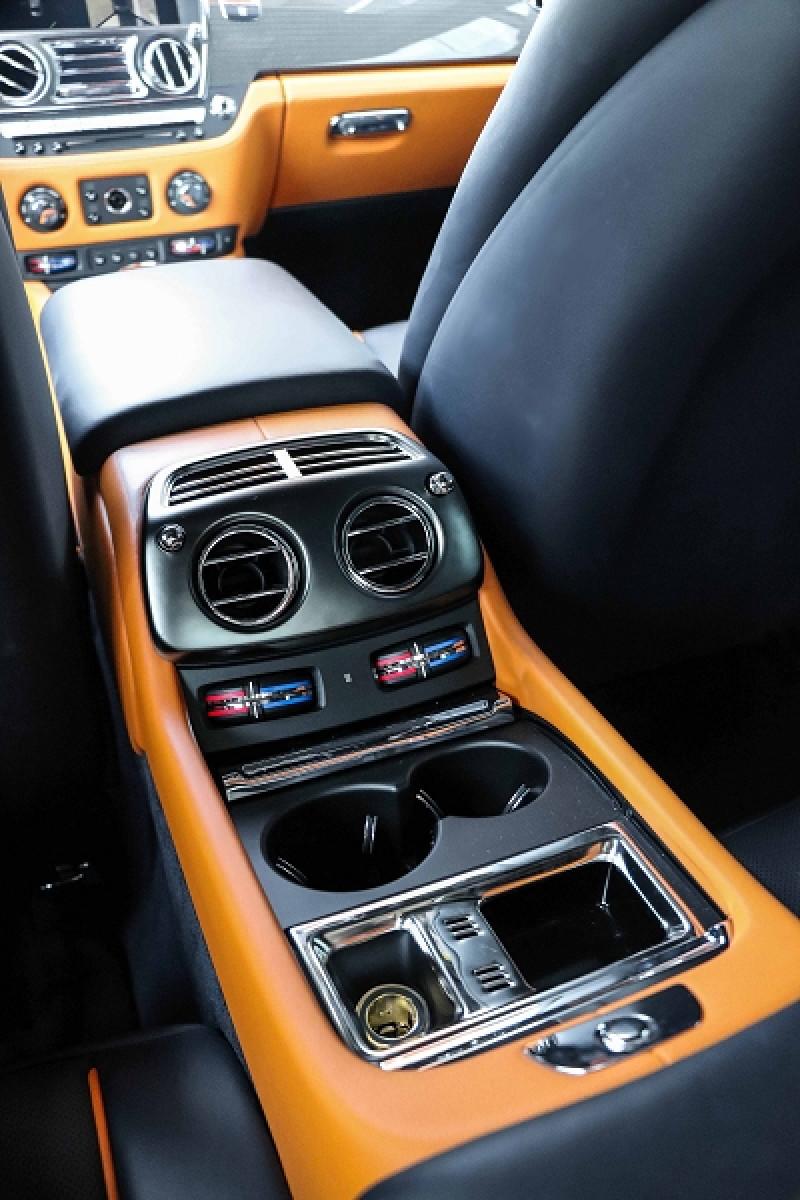 Photo 21 de l'offre de ROLLS-ROYCE WRAITH V12 632CH BLACK BADGE à 260000€ chez Stars Monte Carlo