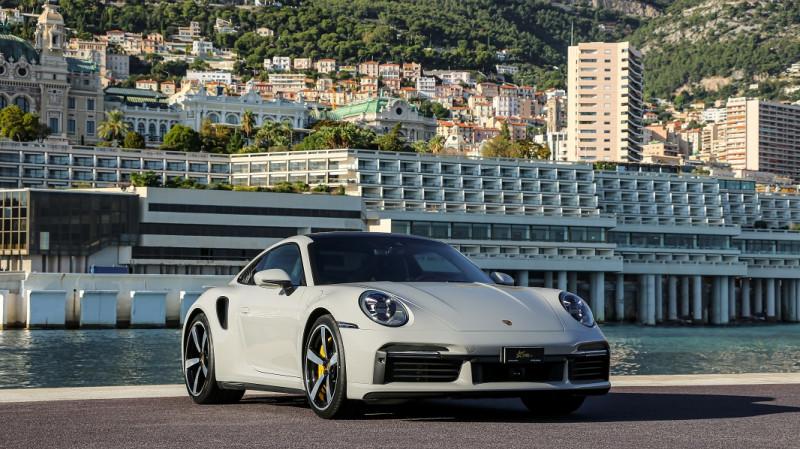 Photo 3 de l'offre de PORSCHE 911 COUPE (992) 3.8 TURBO S 650 PDK8 à 250992€ chez Stars Monte Carlo