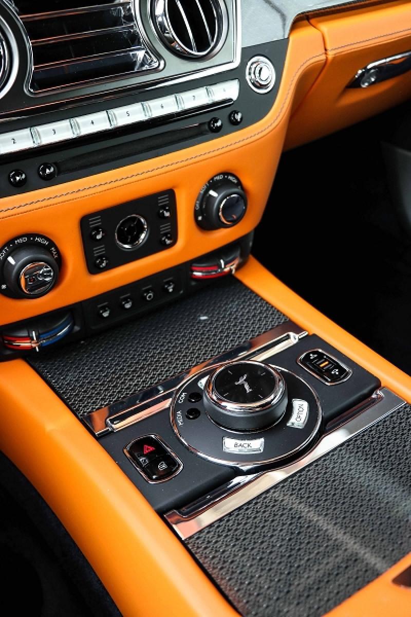 Photo 14 de l'offre de ROLLS-ROYCE WRAITH V12 632CH BLACK BADGE à 260000€ chez Stars Monte Carlo