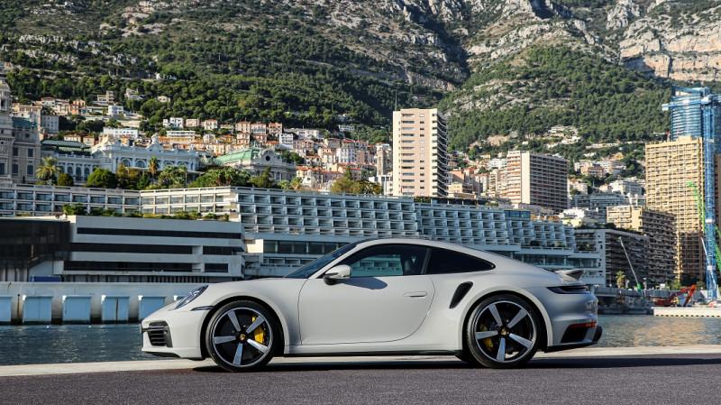 Photo 4 de l'offre de PORSCHE 911 COUPE (992) 3.8 TURBO S 650 PDK8 à 250992€ chez Stars Monte Carlo