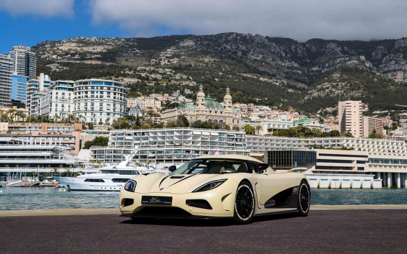 Photo 1 de l'offre de KOENIGSEGG AGERA R CABRIOLET à 2200000€ chez Stars Monte Carlo
