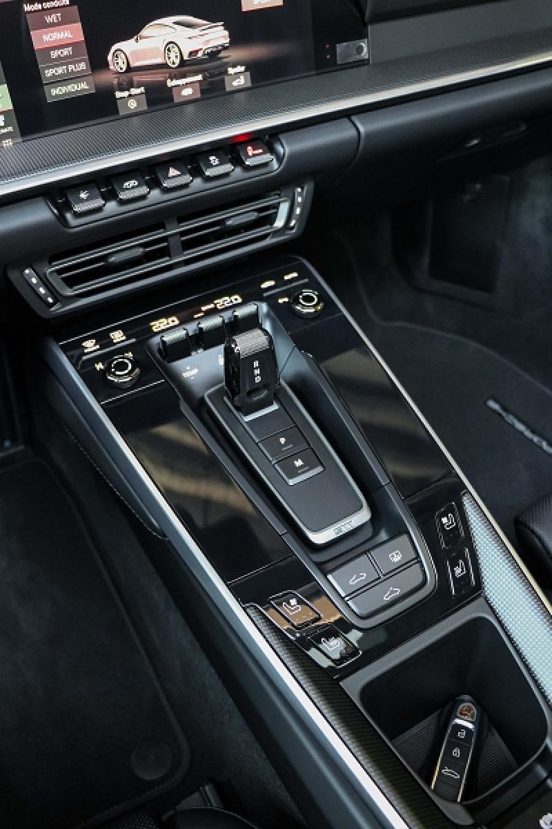 Photo 17 de l'offre de PORSCHE 911 COUPE (992) 3.8 TURBO S 650 PDK8 à 250992€ chez Stars Monte Carlo