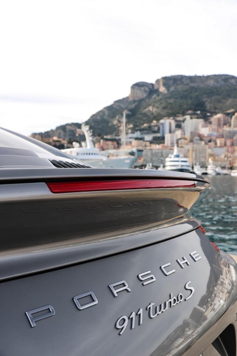 Photo 11 de l'offre de PORSCHE 911 COUPE (991) 3.8 580CH TURBO S PDK à 158991€ chez Stars Monte Carlo