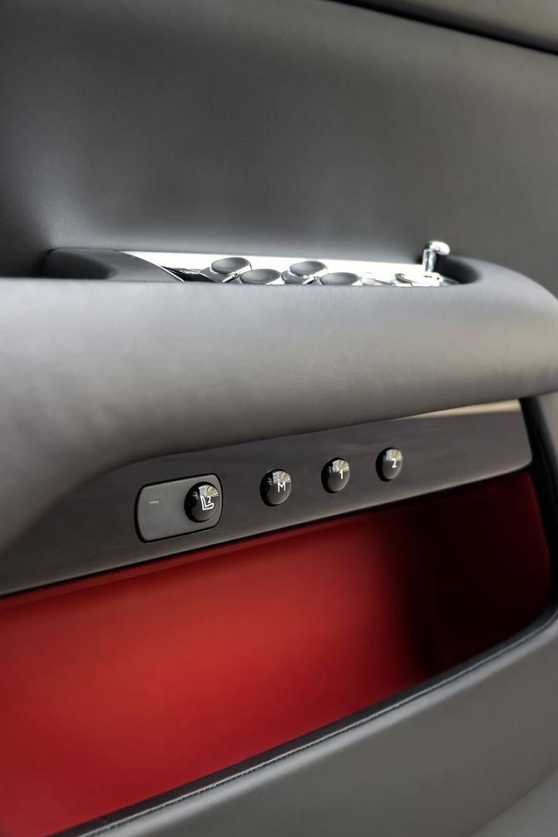 Photo 19 de l'offre de ROLLS-ROYCE DAWN V12 6.6 571CH à 259000€ chez Stars Monte Carlo