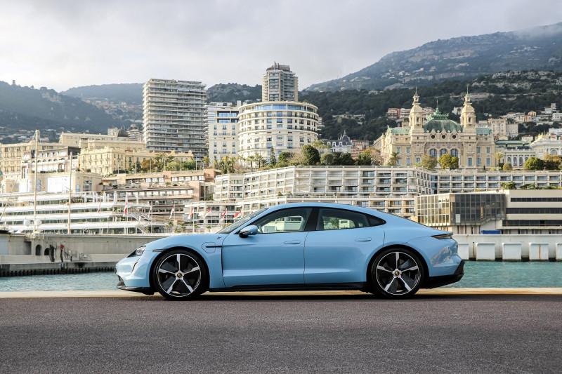 Photo 4 de l'offre de PORSCHE TAYCAN 761CH TURBO S à 175000€ chez Stars Monte Carlo