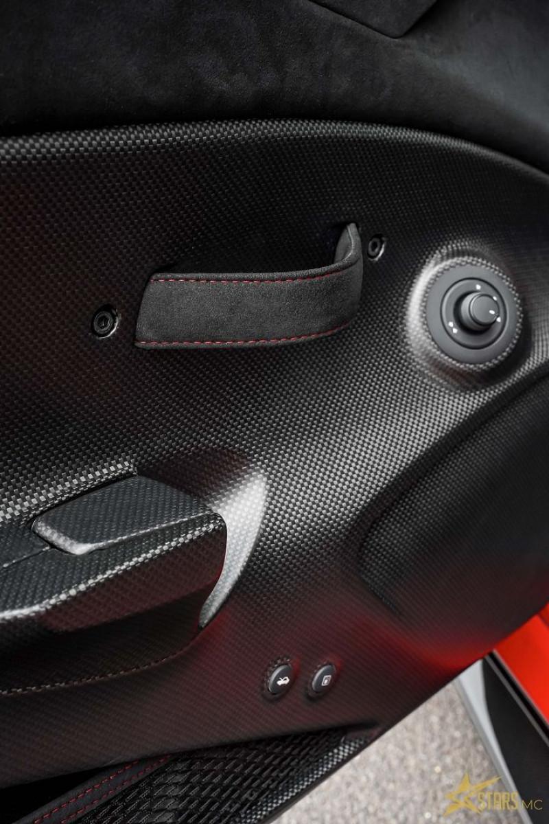 Photo 10 de l'offre de FERRARI 488 GTB V8 3.9 T 720CH PISTA PILOTI à 600000€ chez Stars Monte Carlo