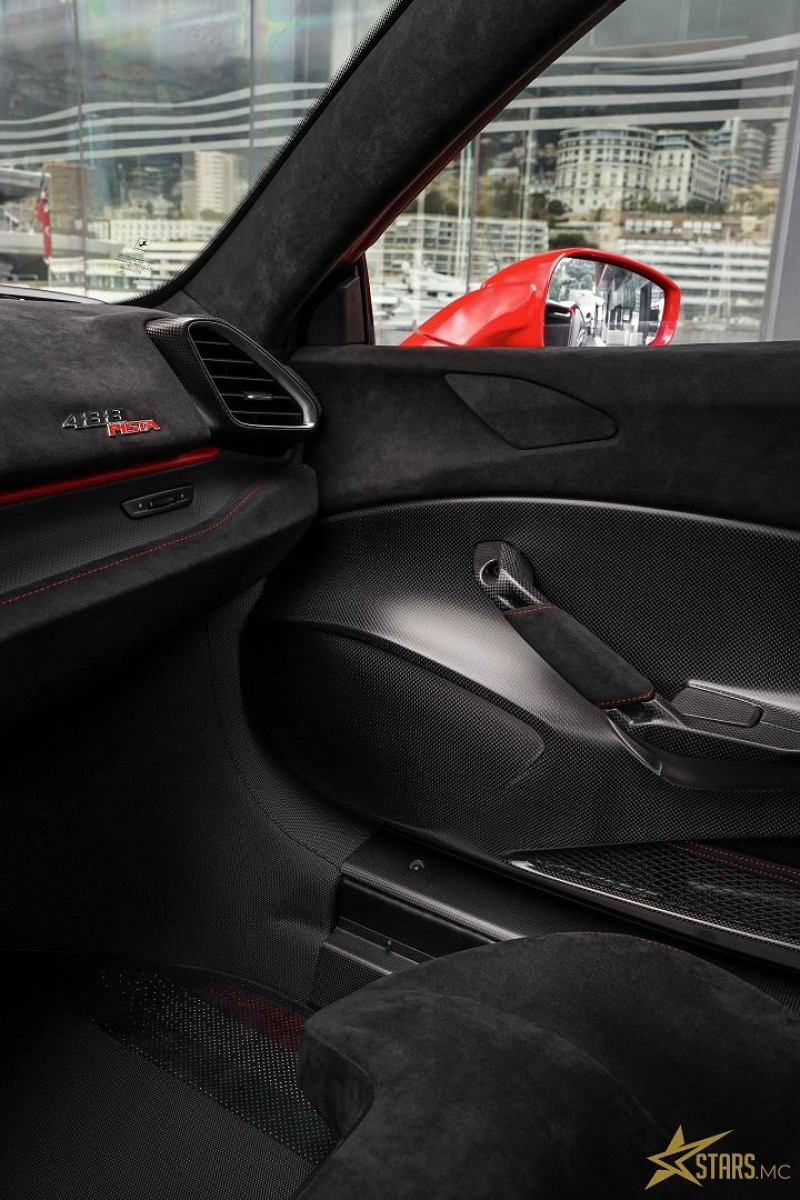 Photo 21 de l'offre de FERRARI 488 GTB V8 3.9 T 720CH PISTA PILOTI à 600000€ chez Stars Monte Carlo