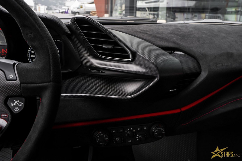 Photo 18 de l'offre de FERRARI 488 GTB V8 3.9 T 720CH PISTA PILOTI à 600000€ chez Stars Monte Carlo