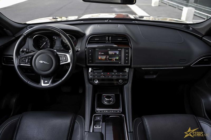 Photo 9 de l'offre de JAGUAR F-PACE 2.0D 180CH LIMITED R-SPORT AWD BVA8 à 41000€ chez Stars Monte Carlo