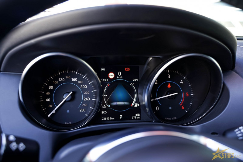Photo 14 de l'offre de JAGUAR F-PACE 2.0D 180CH LIMITED R-SPORT AWD BVA8 à 41000€ chez Stars Monte Carlo