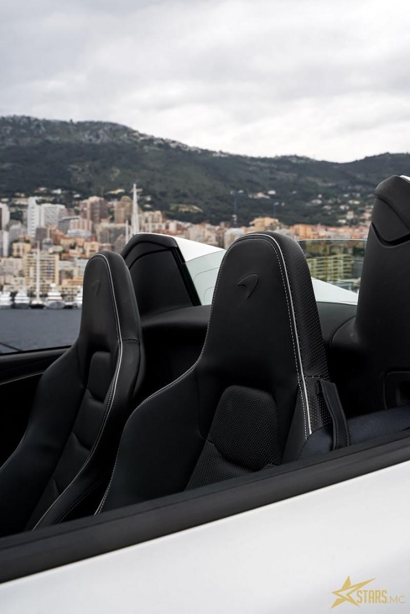 Photo 28 de l'offre de MCLAREN MP4 12C SPIDER 3.8 V8 BITURBO 625CH à 119000€ chez Stars Monte Carlo