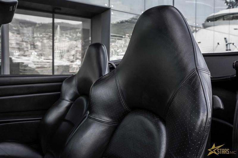 Photo 10 de l'offre de PORSCHE 911 CABRIOLET (993) 272CH CARRERA 4 BV6 à 69993€ chez Stars Monte Carlo