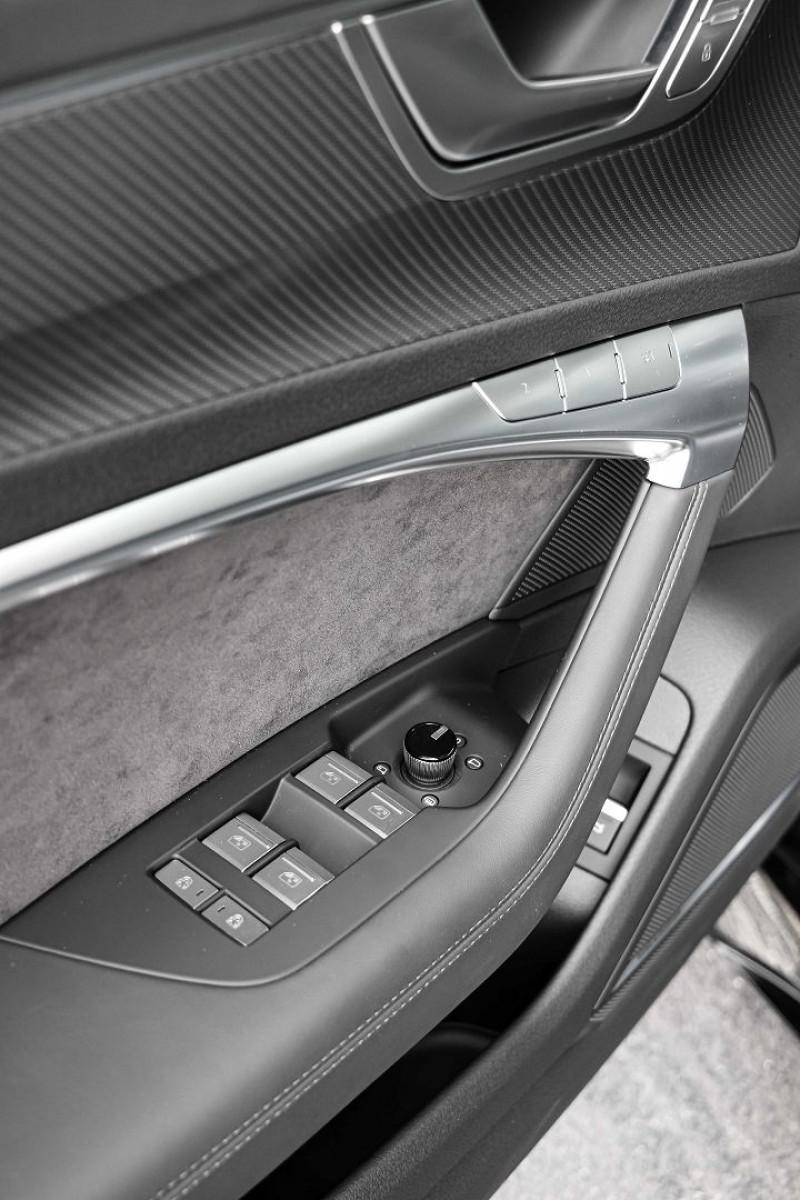 Photo 21 de l'offre de AUDI RS6 AVANT 4.0 V8 TFSI 600CH QUATTRO TIPTRONIC à 139000€ chez Stars Monte Carlo