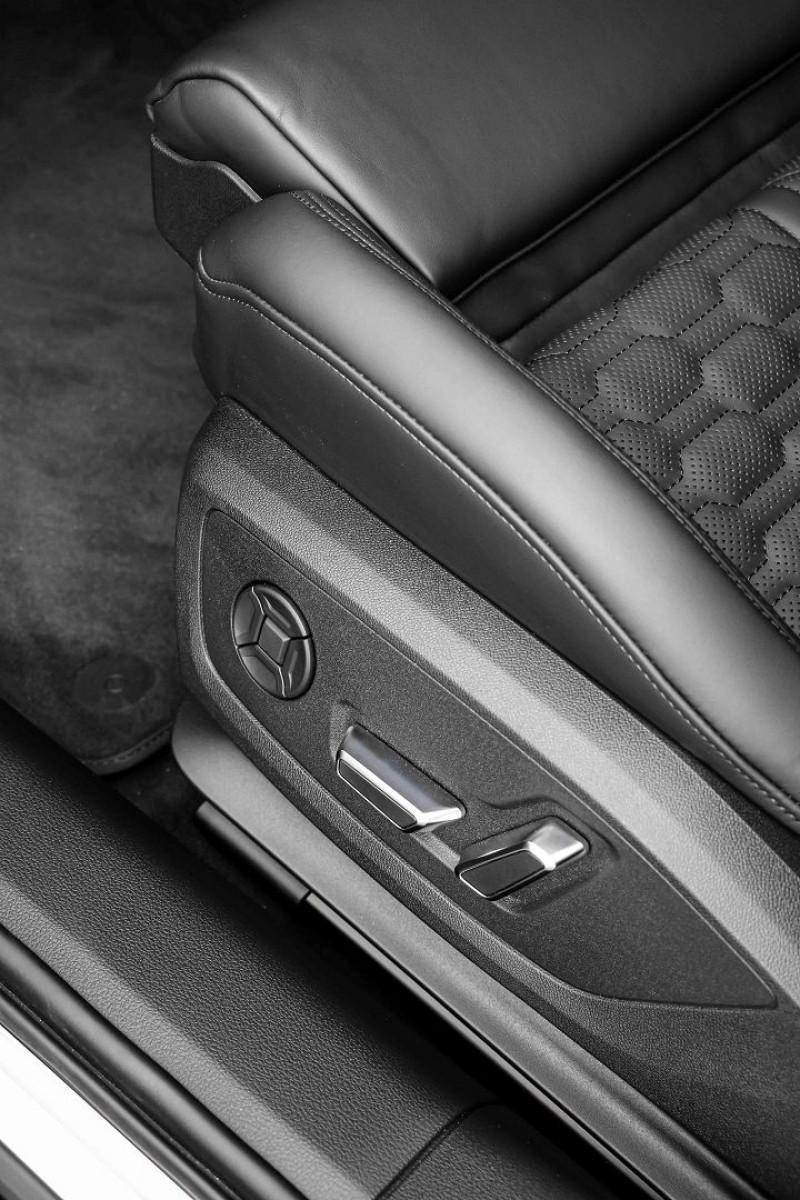 Photo 23 de l'offre de AUDI RS6 AVANT 4.0 V8 TFSI 600CH QUATTRO TIPTRONIC à 139000€ chez Stars Monte Carlo