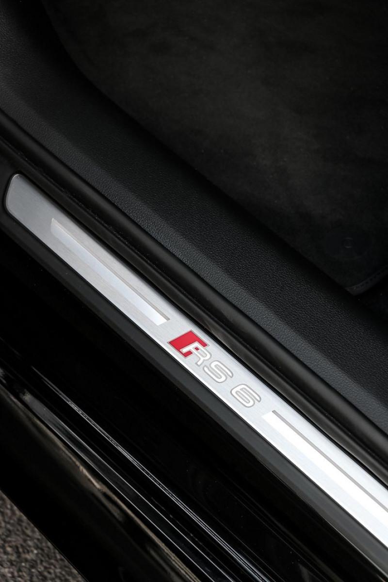 Photo 22 de l'offre de AUDI RS6 AVANT 4.0 V8 TFSI 600CH QUATTRO TIPTRONIC à 139000€ chez Stars Monte Carlo