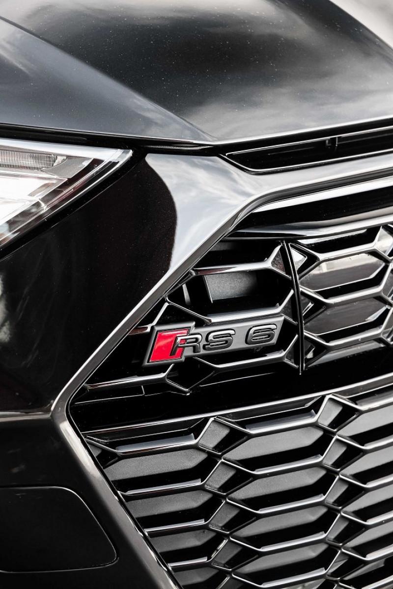Photo 11 de l'offre de AUDI RS6 AVANT 4.0 V8 TFSI 600CH QUATTRO TIPTRONIC à 139000€ chez Stars Monte Carlo