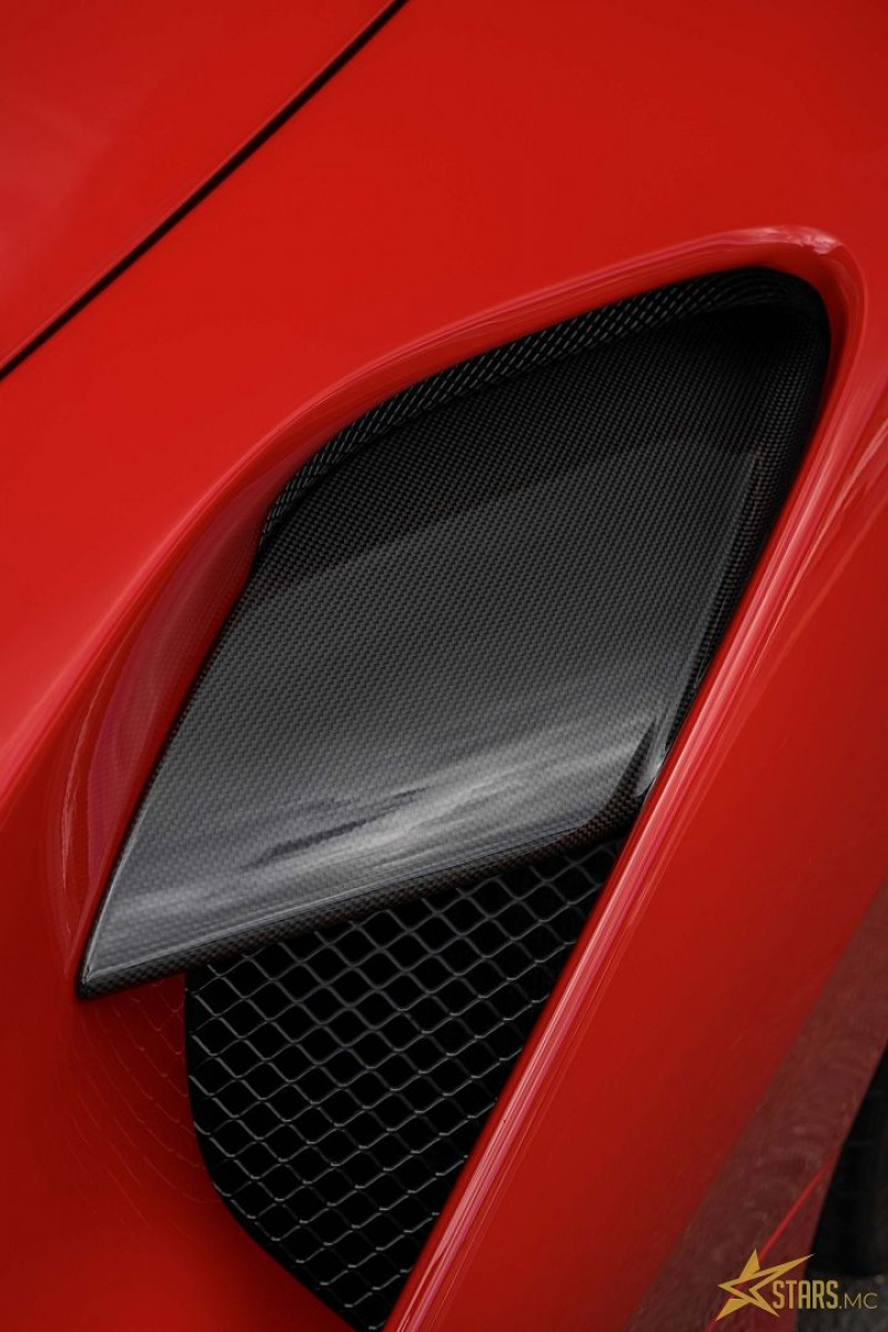 Photo 27 de l'offre de FERRARI 488 SPIDER V8 3.9 T 670CH à 239488€ chez Stars Monte Carlo