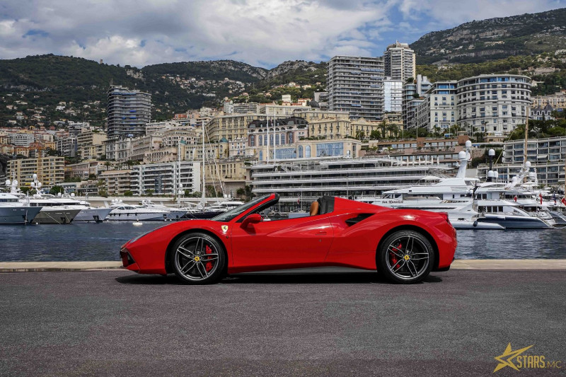 Photo 6 de l'offre de FERRARI 488 SPIDER V8 3.9 T 670CH à 239488€ chez Stars Monte Carlo