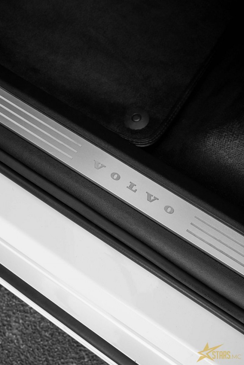 Photo 17 de l'offre de VOLVO XC90 D5 AWD 235CH INSCRIPTION GEARTRONIC 7 PLACES à 50900€ chez Stars Monte Carlo