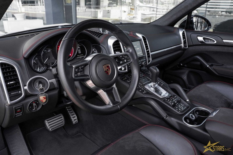 Photo 9 de l'offre de PORSCHE CAYENNE (958) 3.6 440CH GTS à 75000€ chez Stars Monte Carlo