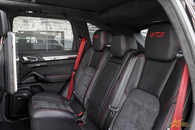 Photo 13 de l'offre de PORSCHE CAYENNE (958) 3.6 440CH GTS à 75000€ chez Stars Monte Carlo