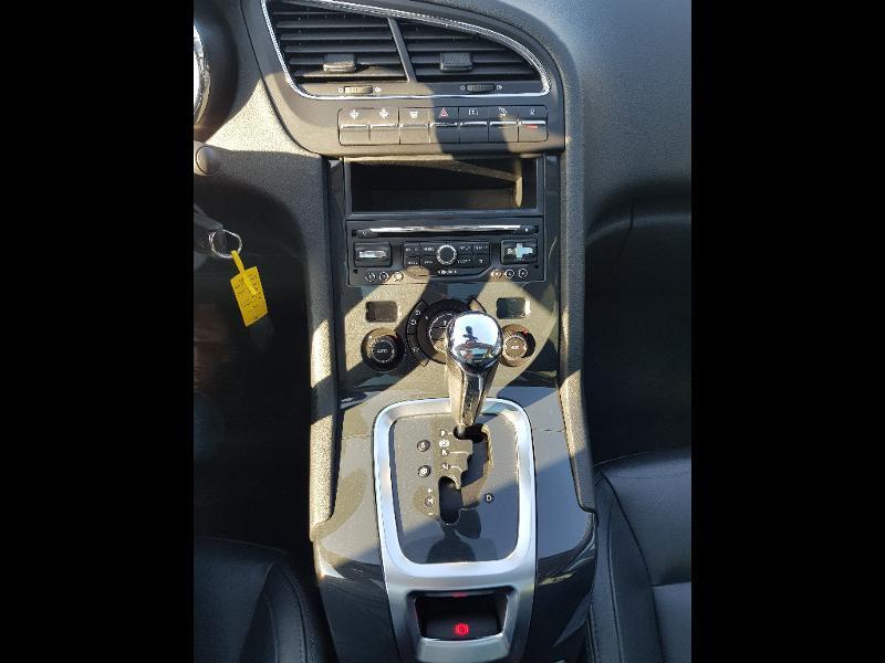 Photo 12 de l'offre de PEUGEOT 5008 1.6 BlueHDi 120ch Allure S&S EAT6 7pl à 13990€ chez Lebedel Automobiles