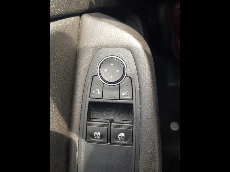 Photo 12 de l'offre de RENAULT Clio 1.0 TCe 100ch Zen à 12490€ chez Lebedel Automobiles