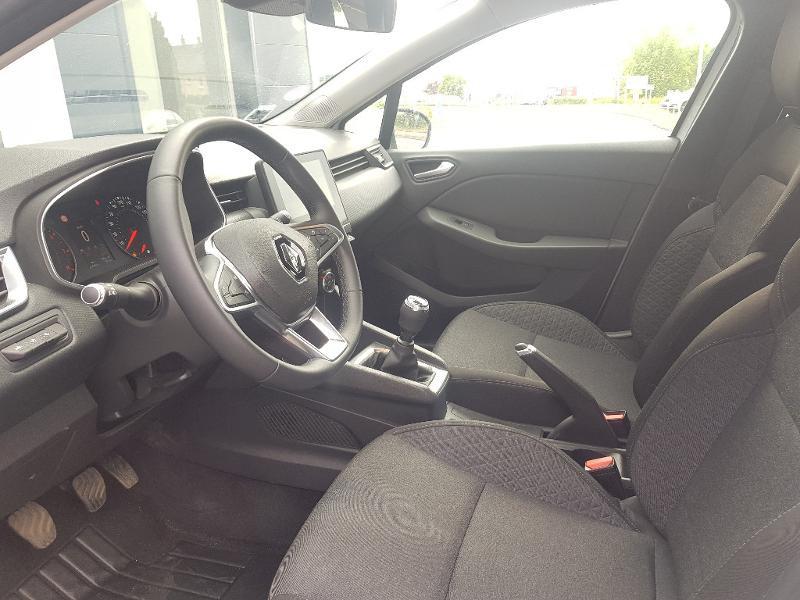 Photo 2 de l'offre de RENAULT Clio 1.0 TCe 100ch Zen à 12490€ chez Lebedel Automobiles