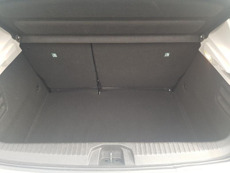 Photo 14 de l'offre de RENAULT Clio 1.0 TCe 100ch Zen à 12490€ chez Lebedel Automobiles
