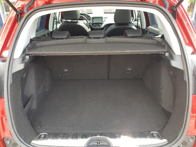 Photo 14 de l'offre de PEUGEOT 2008 1.2 PureTech 110ch E6.c GT Line S&S EAT6 à 17490€ chez Lebedel Automobiles