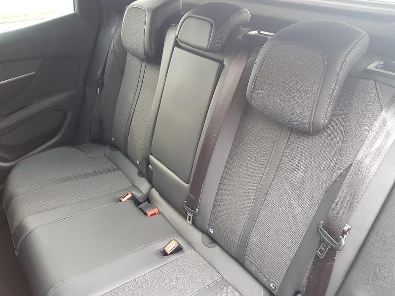 Photo 5 de l'offre de PEUGEOT 3008 1.5 BlueHDi 130ch E6.c GT Line S&S EAT8 à 26990€ chez Lebedel Automobiles
