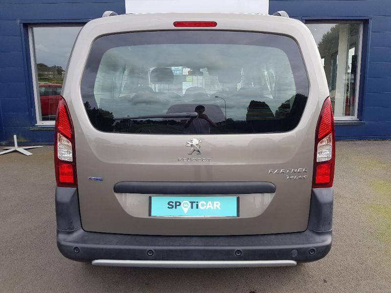 Photo 8 de l'offre de PEUGEOT Partner Tepee 1.6 BlueHDi 100ch Outdoor S&S à 14990€ chez Lebedel Automobiles