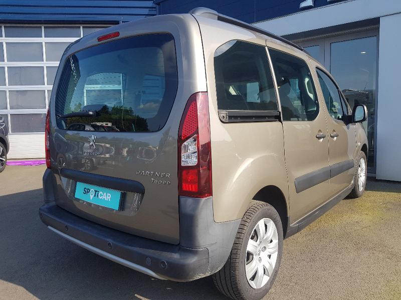 Photo 9 de l'offre de PEUGEOT Partner Tepee 1.6 BlueHDi 100ch Outdoor S&S à 14990€ chez Lebedel Automobiles
