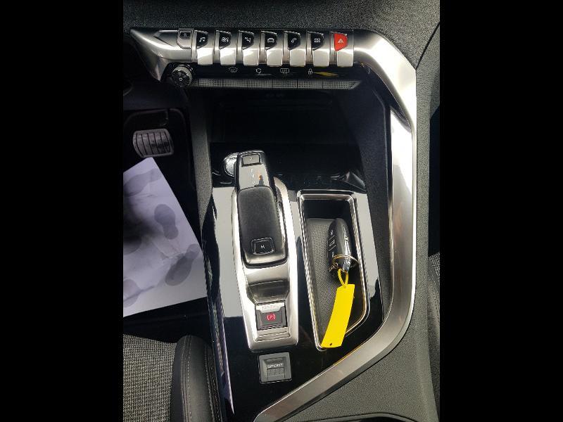 Photo 14 de l'offre de PEUGEOT 3008 2.0 BlueHDi 180ch S&S Allure Business EAT8 à 26990€ chez Lebedel Automobiles
