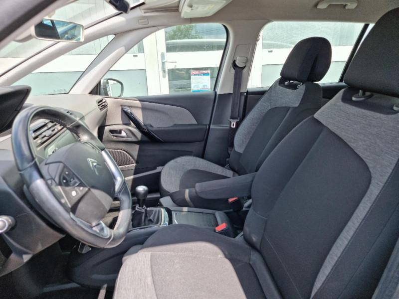 Photo 5 de l'offre de CITROEN GRAND C4 PICASSO BLUEHDI 120CH FEEL S&S à 12990€ chez Sevestre Automobiles
